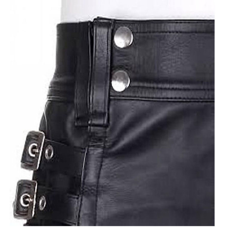 black-leather-kilt-with-twin-cargo-pockets-close